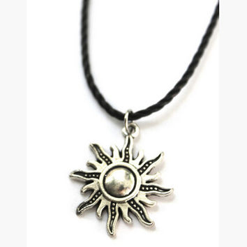 Sun Shape Leather Necklace Choker +free gift tattoo choker