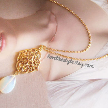 Gold Chain MoonStone Necklace, Bridal Necklace, Bridesmaid Necklace