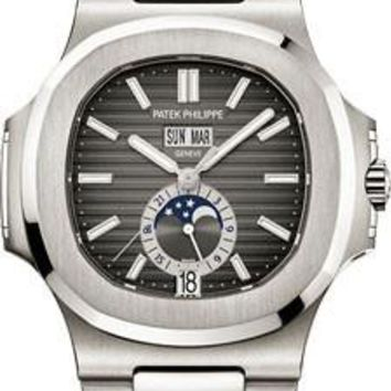 Patek Philippe - Nautilus Mens - Stainless Steel - 40.5 mm