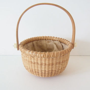 basket / small basket / vintage basket / small nantucket basket / vintage handwoven basket / nantucket baskets / vintage