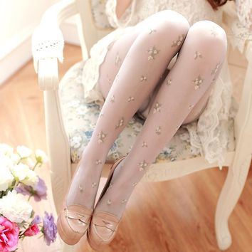 W138 2016 new high quality Japanese style floral embroidery tights thin silk pantyhoseretro sweet flowers tights