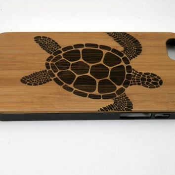 Sea Turtle iPhone 5C Case. Tribal Tattoo Ocean Sea Hawaiian Honu. Eco-Friendly Bamboo Wood Cell Phone Cover. FREE SHIPPING