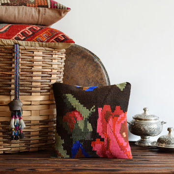 Vintage Decorative Handwoven Turkish Kilim Pillow Cover - Organic pillow - Bohemian Home Decor - Ethnic Pillow