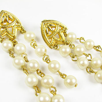 Vintage Faux Pearl Chandelier Earrings / Vintage Wedding Earrings - Boucles d'Oreilles.