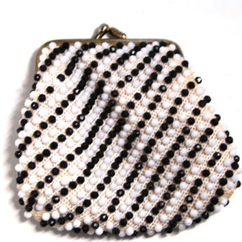 1950s Brown & White Beaded, Coin Change Purse with Metal Clasp, Mid Century Vintage