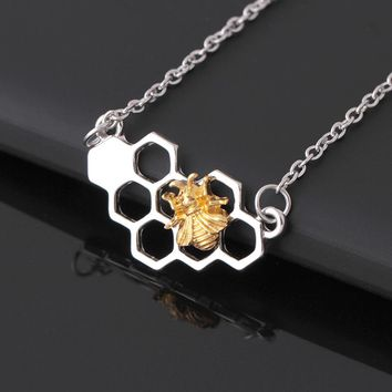 Fashion Silver Gold Bee On The Honeycomb Necklaces & Pendants Hexagon Comb Hive Necklace For Women Animal Lovely Bee Jewelry