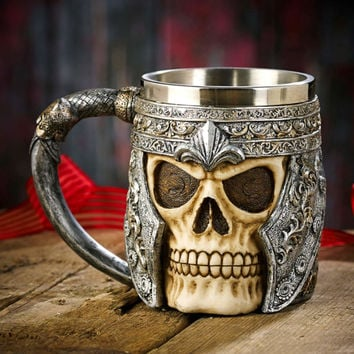 1Piece Resin Skull Mug Tankard Striking Skull Warrior Viking Skull Beer Mug Gothic Helmet Drinkware Vessel
