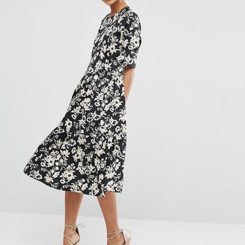 ASOS Pleat Front Smock City Maxi Dress In Mono Floral at asos.com