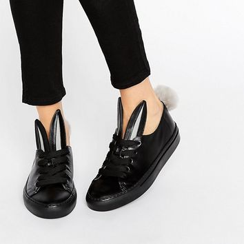 Minna Parikka Tail Sneaks Black Leather Trainers at asos.com