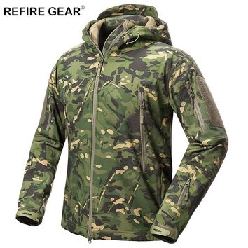 ReFire Gear Outdoor Soft Shell Jacket Men Waterproof Fleece Hunting Hiking Windbreaker Jacket Camp Camouflage Tactical Jackets