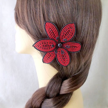 French Beaded Lily flower hair clip in red and black, women and teen girl fashion accessory, seed bead alligator clip, bridesmaid hair piece