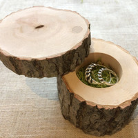 Wooden ring box with moss ring pillow, Rustic ring box, Woodland wedding decoration, Engagement ring box, Natural wood keepsake box