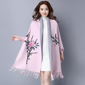 2016 Vintage Bawting Sleeve Flower Embroidery Poncho Women Spring Tassels Hem Women Sweater Cardigans Coat Women Poncho Cape