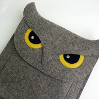 iPad 2 sleeve  Owl in natural grey designer felt by BoutiqueID