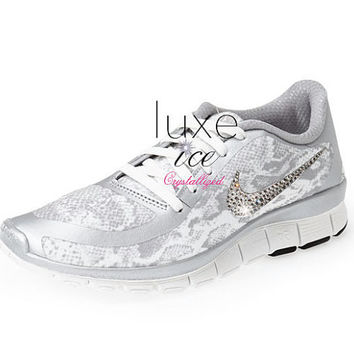 NEW! NIKE Free 5.0 v4 shoes w/Swarovski Crystals Snake White/Metallic Silver