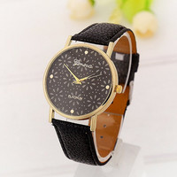 Unisex Casual Fashion Snowflake Leather Strap Wrist Quartz Watch Black