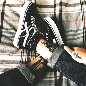"""Vans"" Casual Shoes Black high tops sport shoes+GIFT Send free mesh panty-hose"