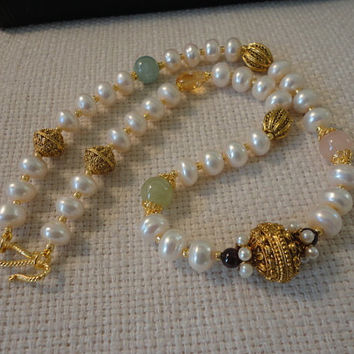 statement pearl necklaces. freshwater pearl necklace gold. pearl gemstone necklace. semiprecious necklace. pearl for women