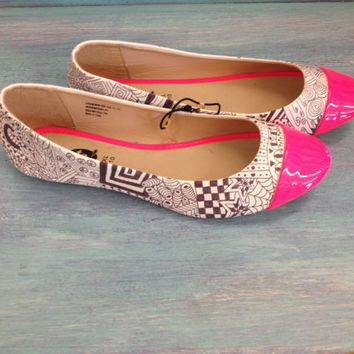 Hand Painted Black & White Doodle Womens Flats/Womens Shoes with Hot Pink Patent Leather Toe Cap