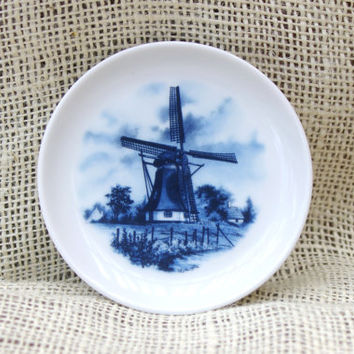Delft Blue & White Collector Plate Holland Blauw Porcelain  featuring a Windmill country scene