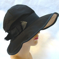 1920's Vintage Wide Brim Flapper Cloche Hat by MyVintageHatShop
