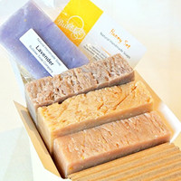 Natural Handmade Soap Gift Set - Honey Almond, Oatmeal Milk & Honey, Cinnamon Honey - with Natural / Organic Ingredients