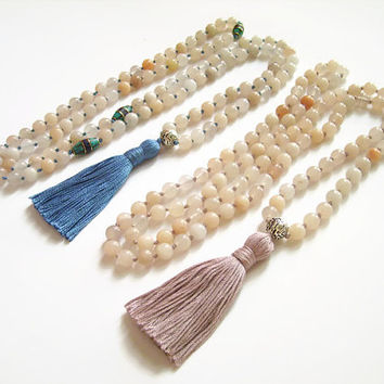 Peach aventurine sacral chakra mala bead necklace, 108 mala necklace chakra jewelry, Hand knotted prayer beads