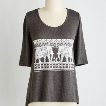 Safari Mid-length Short Sleeves Lively in the Library Top