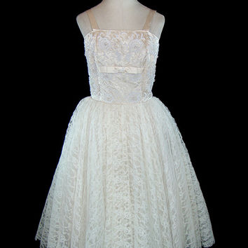 1950s wedding dress, ivory beaded silk satin and lace, sleeveless, big huge tulle under skirt, couture wedding, reception, prom, formal