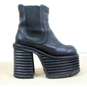 90s RARE Buffalo Grunge Goth Clubkid Black Suede Leather Mega Chunky Huge Platform Pull On Chelsea Ankle Boots Uk 4 Us 6.5 / Eu 37