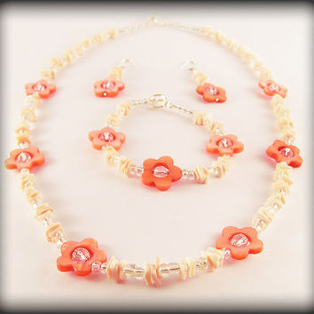 One-off Beach Flowers shell jewellery set - shell chip, flower and rainbow sheen bead necklace, bracelet and earrings