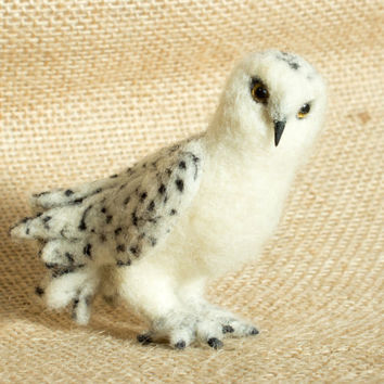 Apollo the Snowy Owl: Needle felted animal sculpture