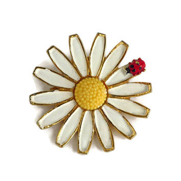 Weiss Daisy Brooch, Vintage White and Yellow Pin, Ladybug Pin FREE SHIPPING