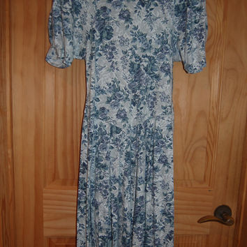 Vintage 80s Byer Too California Wedgewood Blue Floral Print Romantic Knit V Waist Dress Size 11