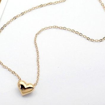 Tiny Gold Heart Necklace, pendant necklace, minimal jewelery, simple jewelery, necklace