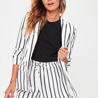 Missguided - White Striped Paperbag Waist Shorts