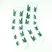 Men Casual Long Socks/White Weed