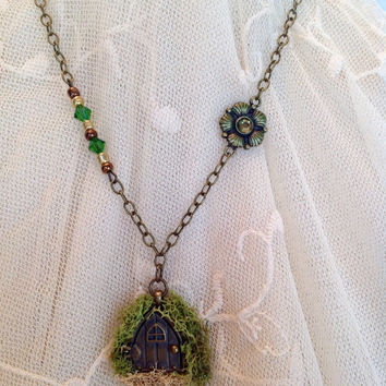 Hobbit Necklace, Hobbit Door, Fairy Necklace, Fairy Door, Moss Necklace, Moss Jewelry, Fairy Jewelry, Hobbit Jewelry, Swarovski crystal