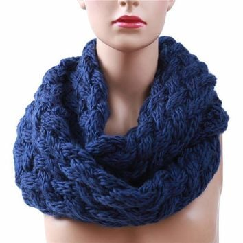 Knitted Infinity chunky Scarf