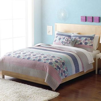 Home Classics Statements Kennedy Reversible Quilt - Full/Queen