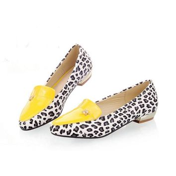 New arrivel women shoes Casual flats shoes Slip-On Pointed Toe fashion Leopard shoes c