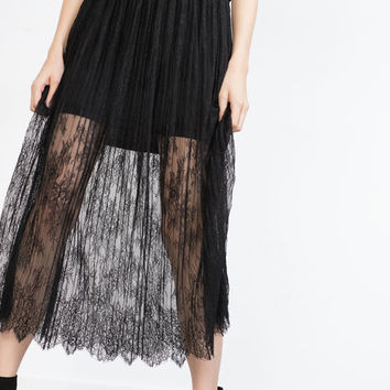 LACE PLEATED SKIRT
