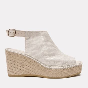 Lina Pebbled Napa Wedge (Platino)