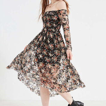 UO Off-The-Shoulder Floral Lace Midi Dress | Urban Outfitters