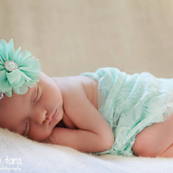 Newborn wrap and headband, Newborn stretch lace wrap, Newborn baby wrap, Headband photo prop, Ruffle headband, Baby head wrap Mint lace wrap