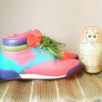 Vintage Shoes- Girl's Shoes- Kid's Sneakers- Running Shoes- 1980's- Girls Size 2- Shoes for children- Vintage Clothing for Children
