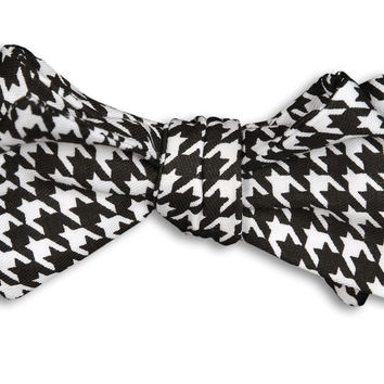 Black Houndstooth Bow Tie in Black and White by High Cotton