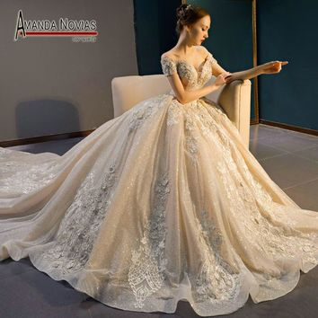 Amazing New Design Off Shoulder Shinning Fabric Ball Gown Wedding Dresses