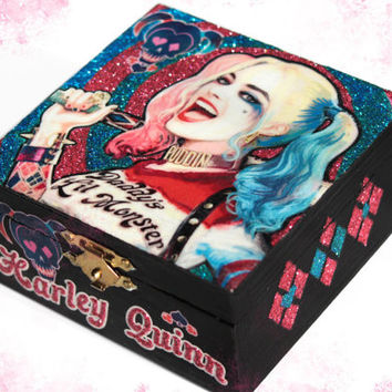 Harley Quinn jewelry box, Suicide squad gift, glitter wooden box, ringbox, trinket box, jewelry holder, home decor