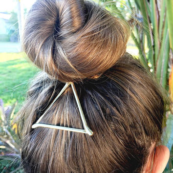 Silver triangle hair clip, triangle clip, girls hair clip, bridesmaid gift, gifts for her, hair clip, birthday party favor, silver hair clip